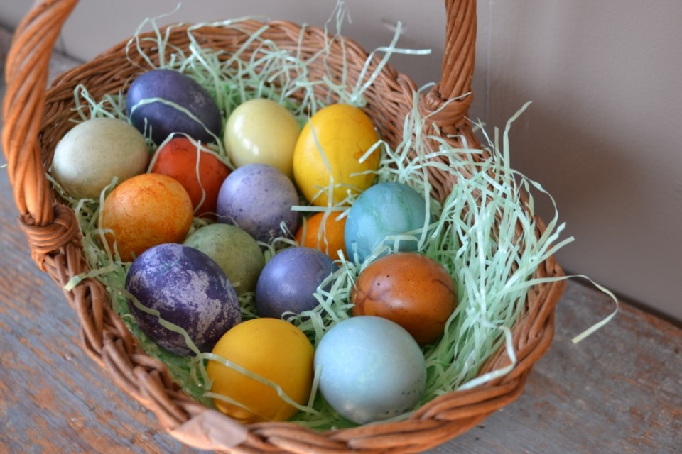 How To Dye Easter Eggs Naturally | Herbal Academy | Chemical dyes are not the only option when decorating Easter eggs. Here's how to use herbs and common food to dye Easter eggs naturally!