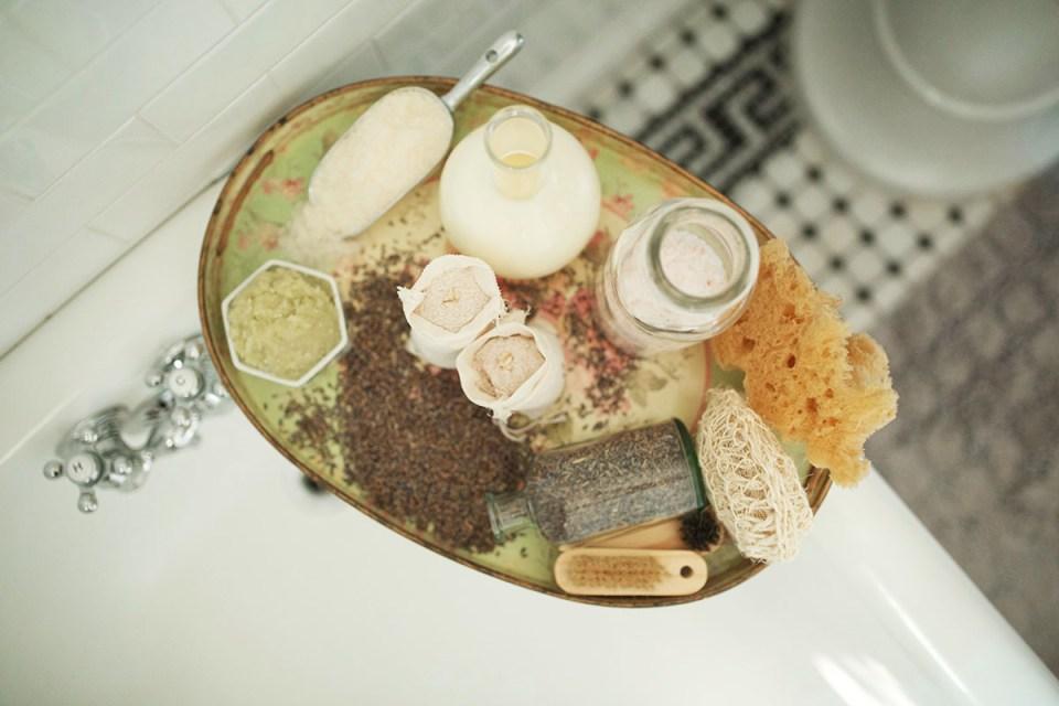 How To Create A Nourishing Milk Bath For Self Care