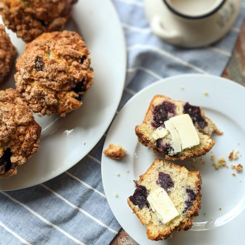 farmhouse blueberry crumble muffins easy simple recipe meal prep breakfasts