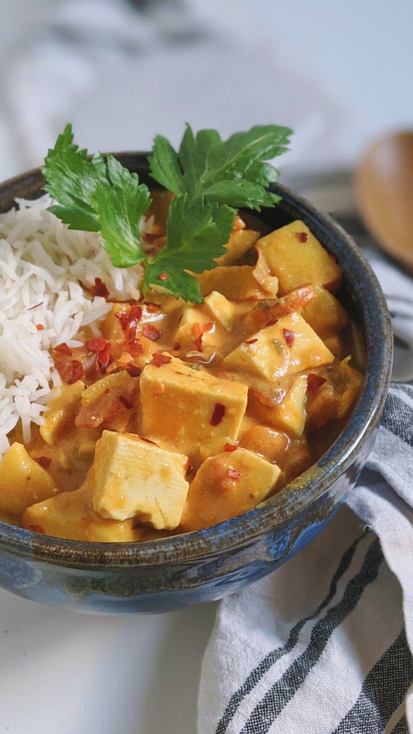 healthy tofu curry recipe vegan gluten free dairy free coconut milk curry paste with vegetables cilantro pineapple carrots pepper onion