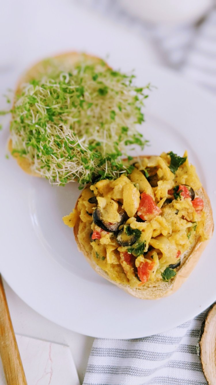 chickpea scramble recipe olives roasted bell pepper tomatoes parsley basil healthy high protein vegan breakfast recipes with chickpeas