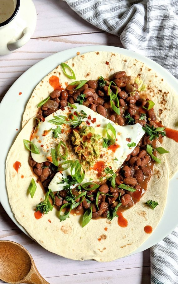 vegetarian gluten free breakfast recipe american huevos rancheros with pinto beans and corn tortillas gluten free brunches with eggs and spicy beans healthy mexican brunch recipes