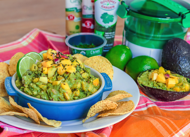 Chunky and Spicy Caribbean Guacamole © 2016 Jane Bonacci, The Heritage Cook