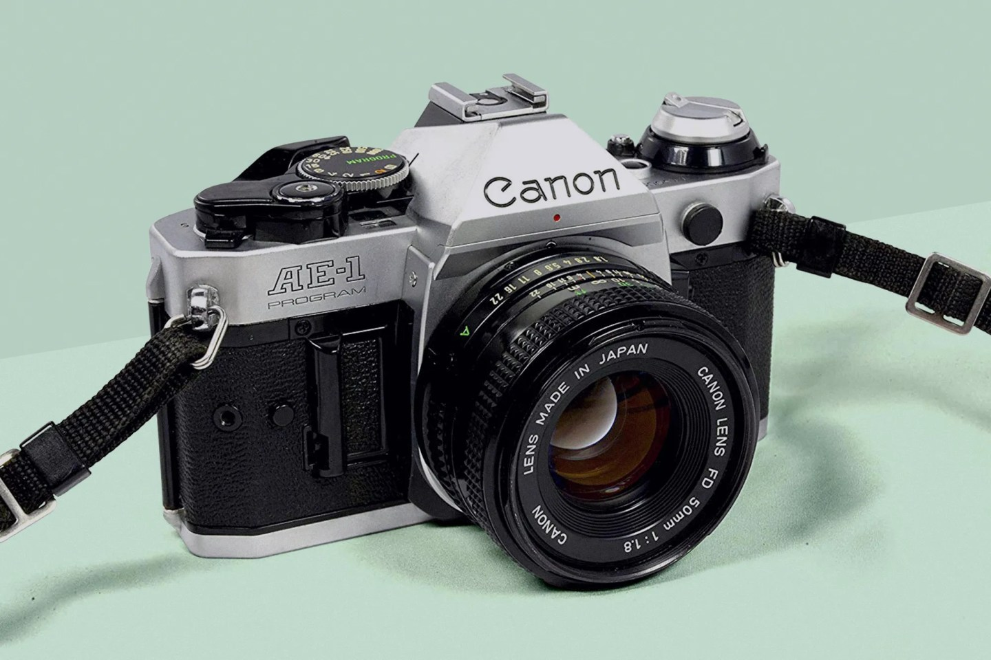 The 5 Best 35mm Film Cameras for Beginners – The H Hub