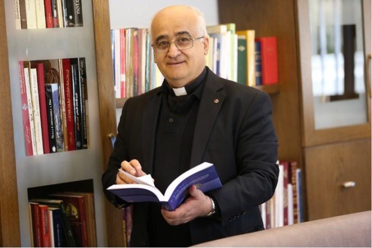 <strong>Khalil Alwan</strong> is Professor, Université Libanaise, Beirut, Lebanon.<br><strong>(November 17, 2021)</strong>