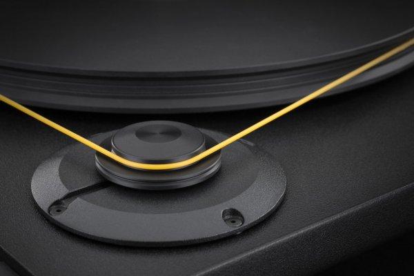 Mobile+Fidelity+StudioDeck+Motor+Platter+Detail-1579d192