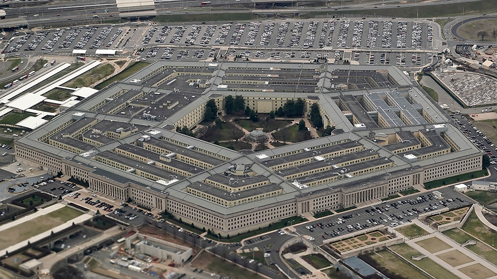 Pentagon staffers told to come to work with face coverings: report ...