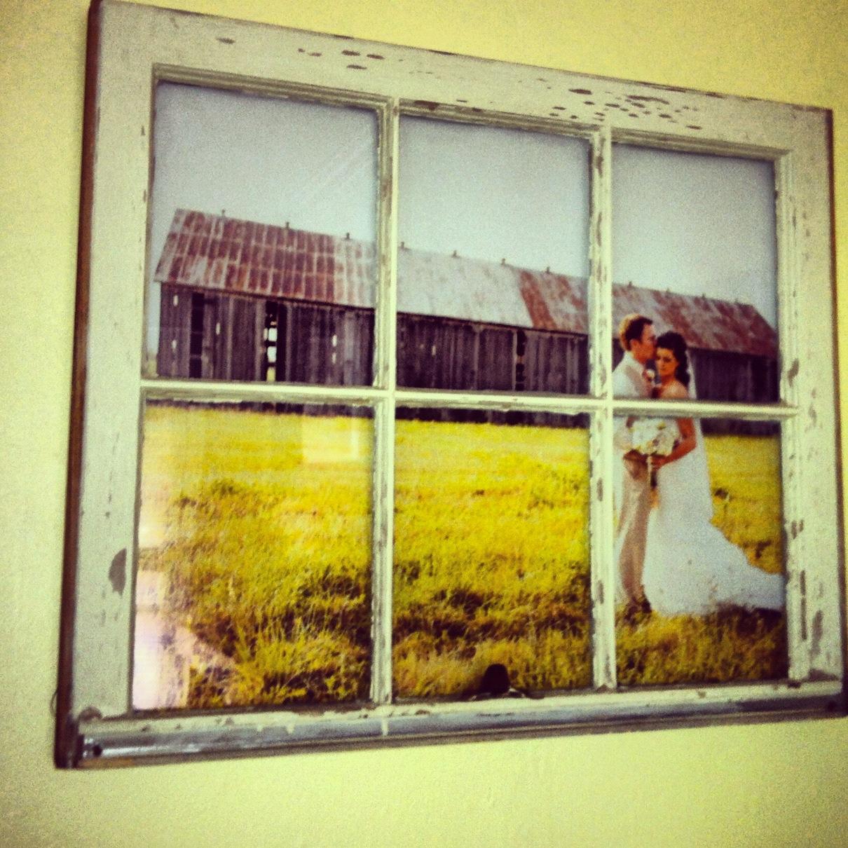 DIY  Vintage Window Pane Picture Frame