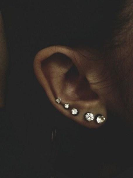 4 more piercings on my left ear.