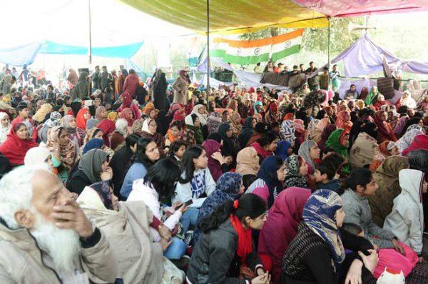 शाहीन बाग आंदोलन: आंदोलनकारियों ने नोएडा-फरीदाबाद जाने वाला रास्ता खोला