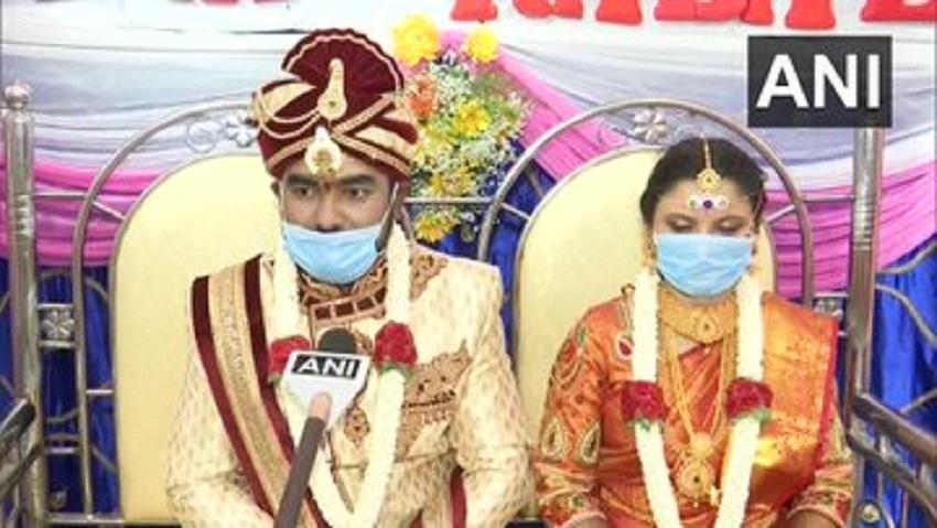 कर्नाटक में एक युवक ने रचाई  पूर्ण लॉकडाउन  के बीच शादी