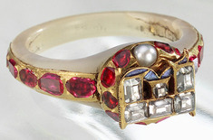 Elizabeths-locket-ring