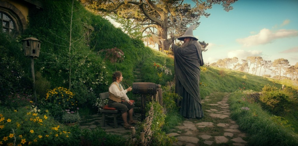 The Hobbit: An Unexpected Journey REVIEW  (beware of spoilers) (5/6)