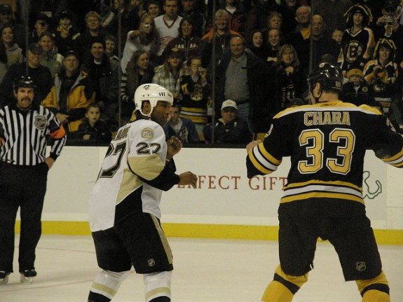 Georges Laraque as a Pittsburgh Penguin (Dan4th/Flickr)