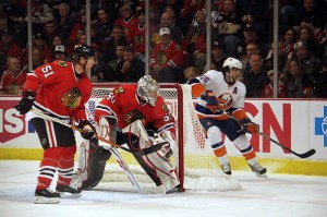 Corey Crawford (Blackhawks) in goal vs the NY Islanders