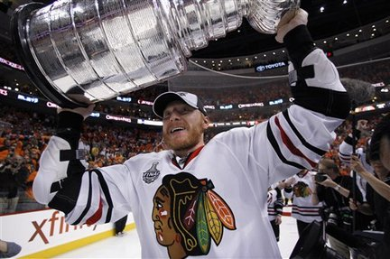 Will this be Hossa's last chance to lift the cup as a member of the Hawks?