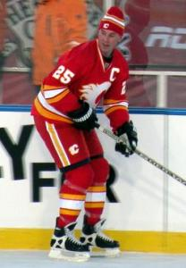 Joe Nieuwendyk won Cups with the Flames, Stars and Devils (Photo Wiki Commons, User: Resolute)
