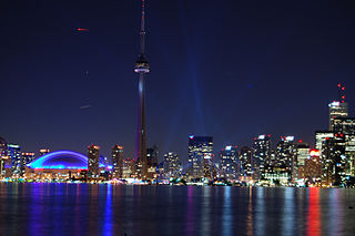 Toronto skyline at night (John Vetteri/cc 2.0)