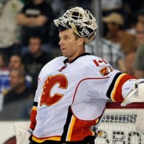 Miikka Kiprusoff's knee injury has caused some turmoil in Calgary's nets. (Jerome Miron-US PRESSWIRE)