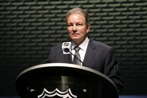 Ray Shero is THW's 2013 Most Outstanding General Manager. (Charles LeClaire-US PRESSWIRE)