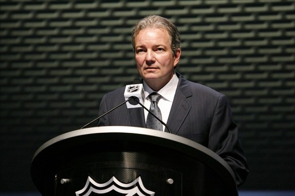 Ray Shero won the 2013 General Manager of the Year Award. (Charles LeClaire-US PRESSWIRE)