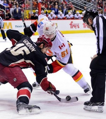 Gordon is the NHL's faceoff wizard (Matt Kartozian-USA TODAY Sports)