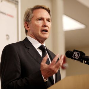 Pittsburgh head coach Mike Johnston (File Photo)