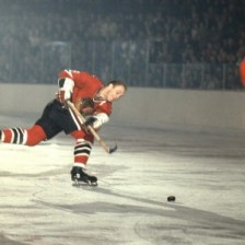 Bobby Hull is one of the only players to win an Art Ross with more goals than assists.