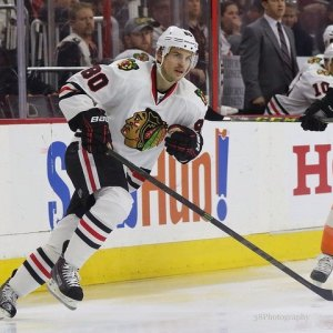 Antoine Vermette played an integral role in Chicago's 2015 Stanley Cup victory (Amy Irvin / The Hockey Writers)