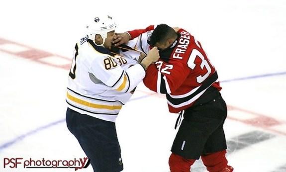 Mark Fraser fights Chris Stewart (http://paulafaermanphotography.org)
