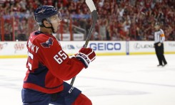 Capitals' Burakovsky Scores Twice on his Childhood Hero Lundqvist