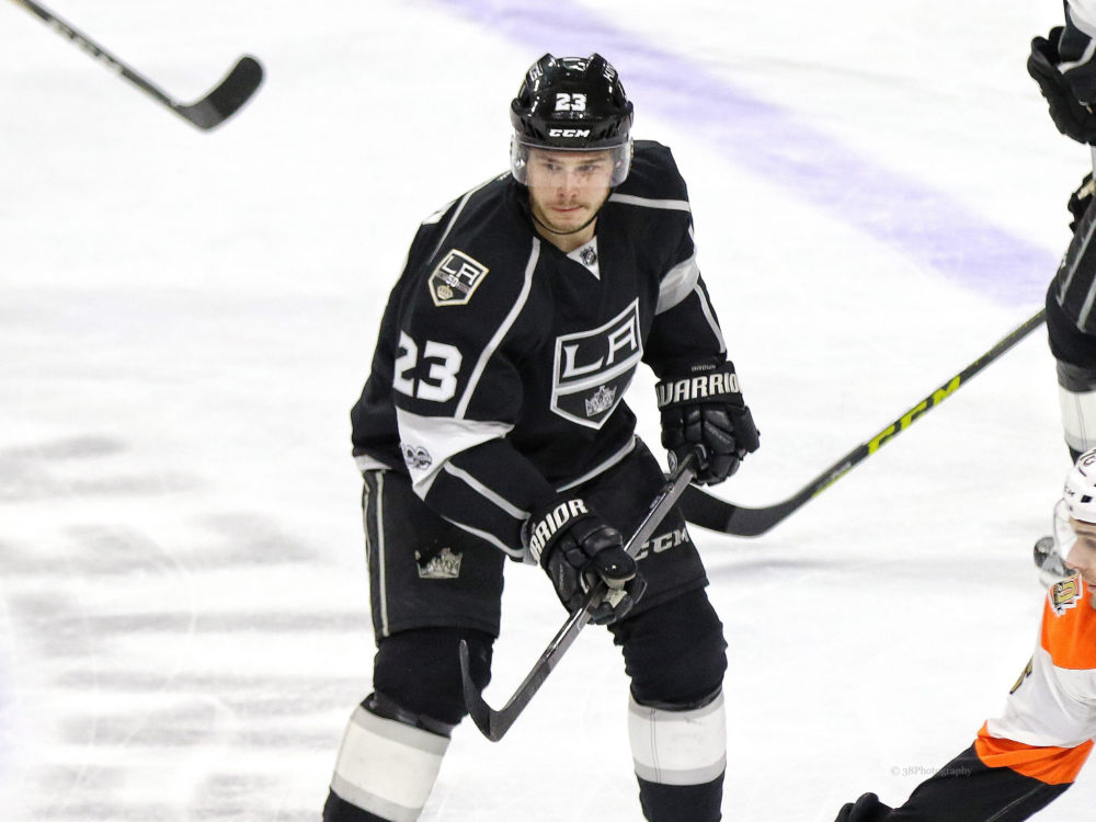 Kings center Jeff Carter out after being cut by skate