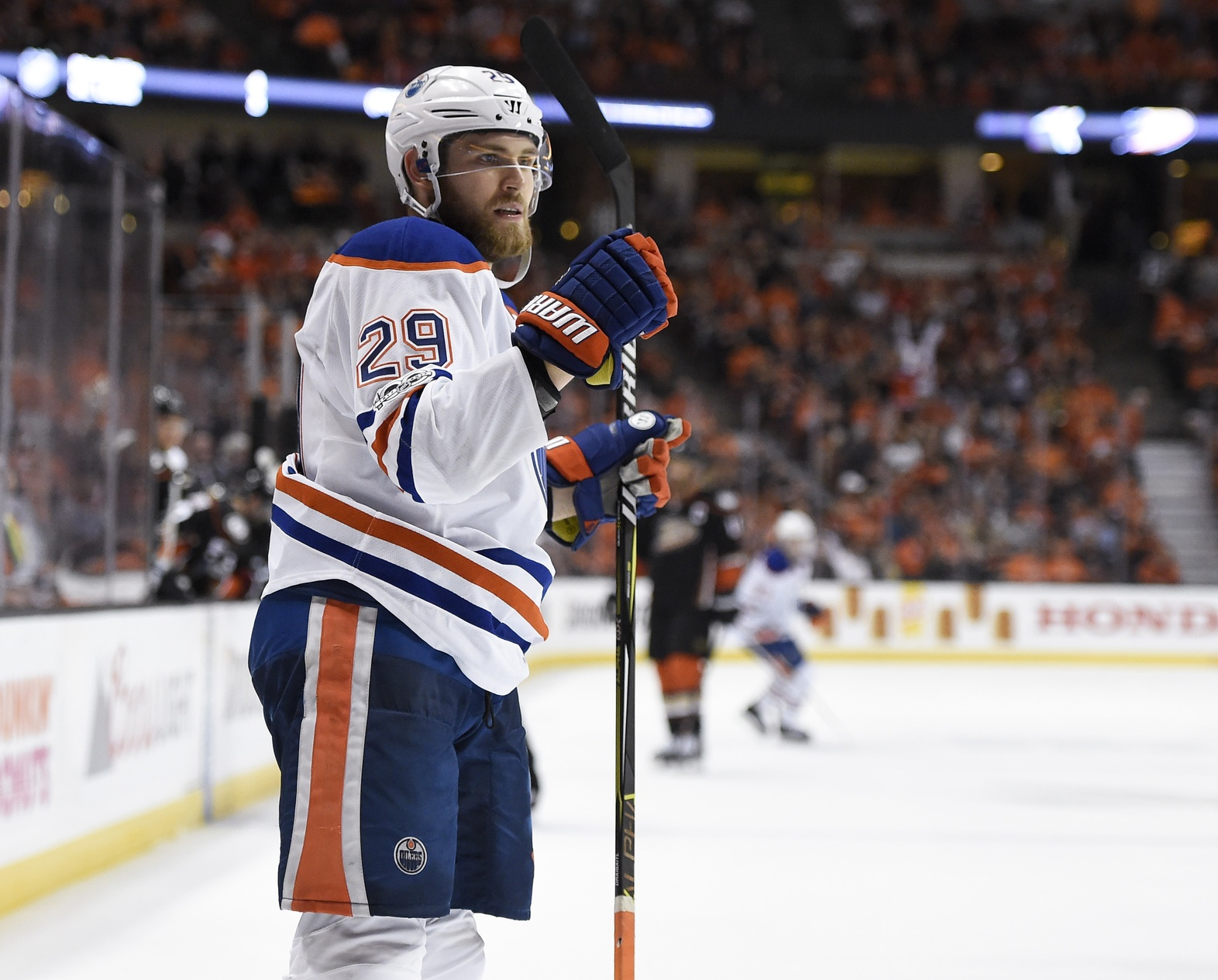 NHL: Edmonton Oilers sign D Eric Gryba to two-year extension