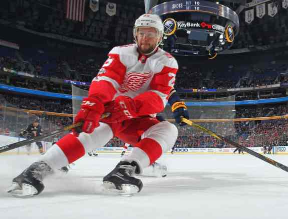 Mike Green #25 of the Detroit Red Wings