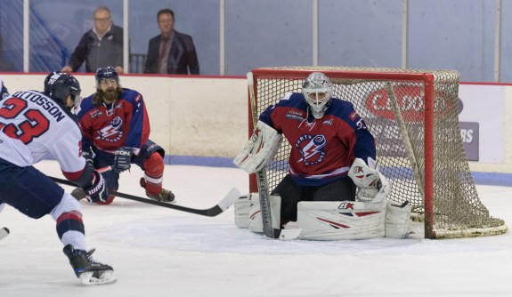 Peter Di Salvo with the Perth Thunder of the AIHL