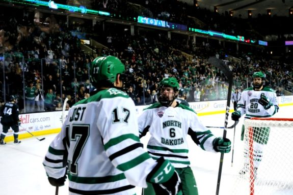 Und-scores-photo-credit-russell-hons-photography-575x384
