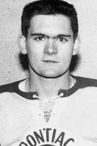 Rookie ref Bruce Hood, here in his playing days, had a rough night.