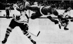 50 Years Ago in Hockey: Wings Fit to be Tied by Howe's Miss
