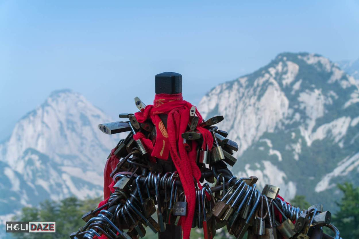 Huashan love locks