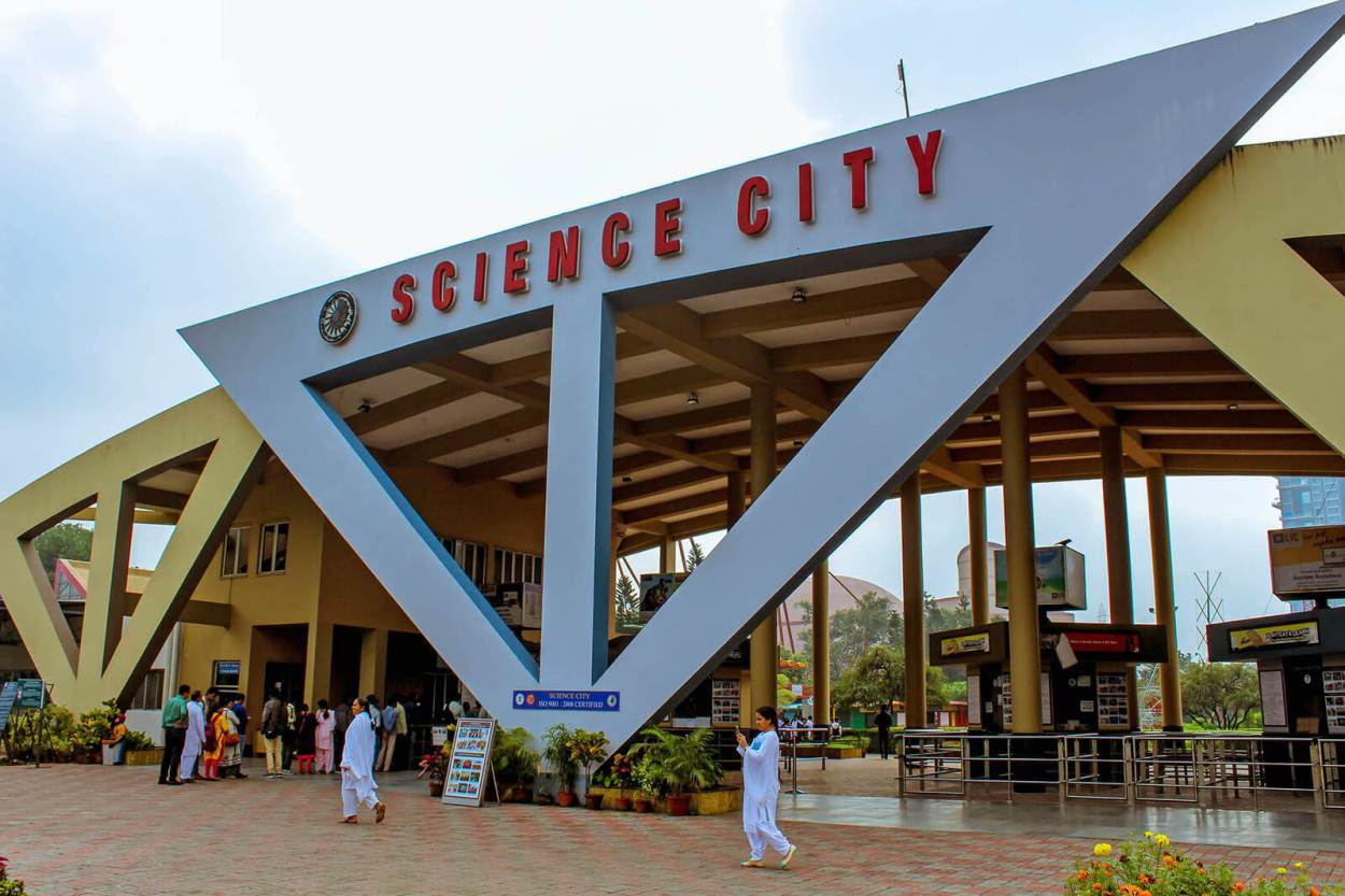 Science City is basically a museum, planetarium, aquarium, garden, scientific exhibition and technological showcase all combined into one grand permanent exhibition -- one of the surprising unique and offbeat Kolkata activities