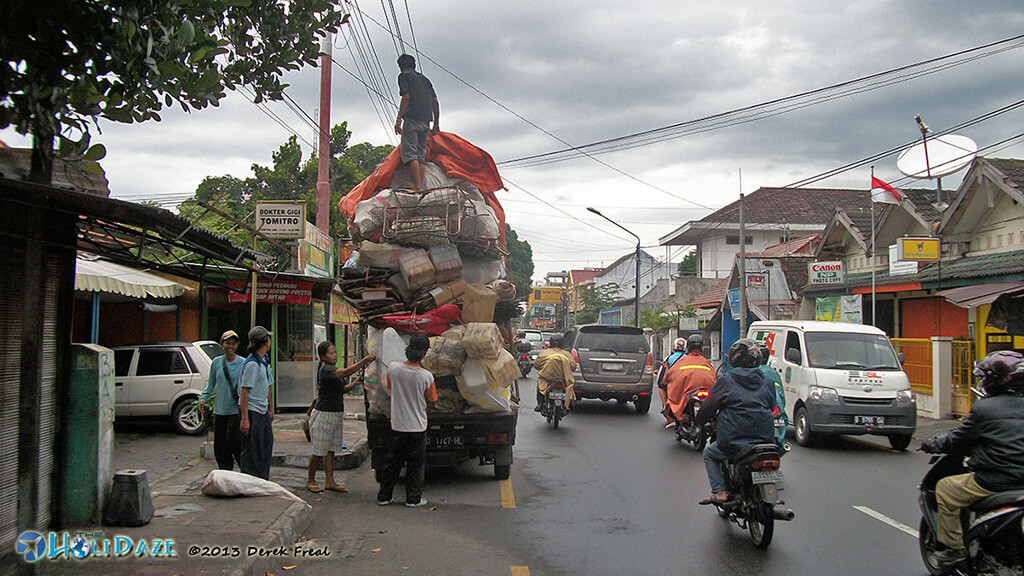 Indonesia By Motorcycle: Just a normal road in Jogja