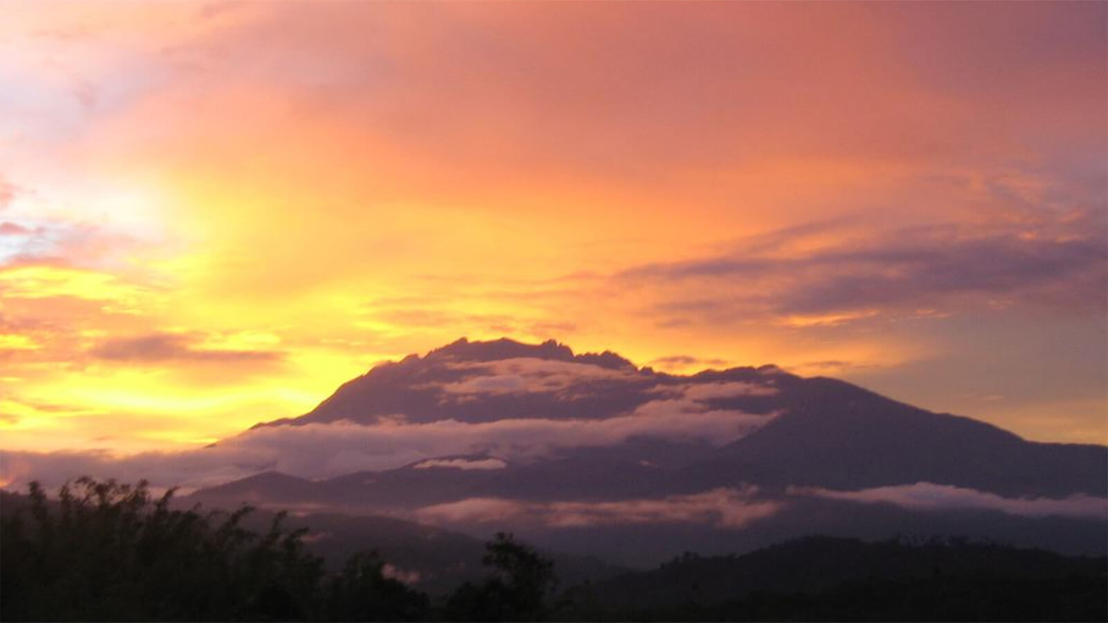 The Sabah Tea Resort is one of the top places to view the sunset in Sabah
