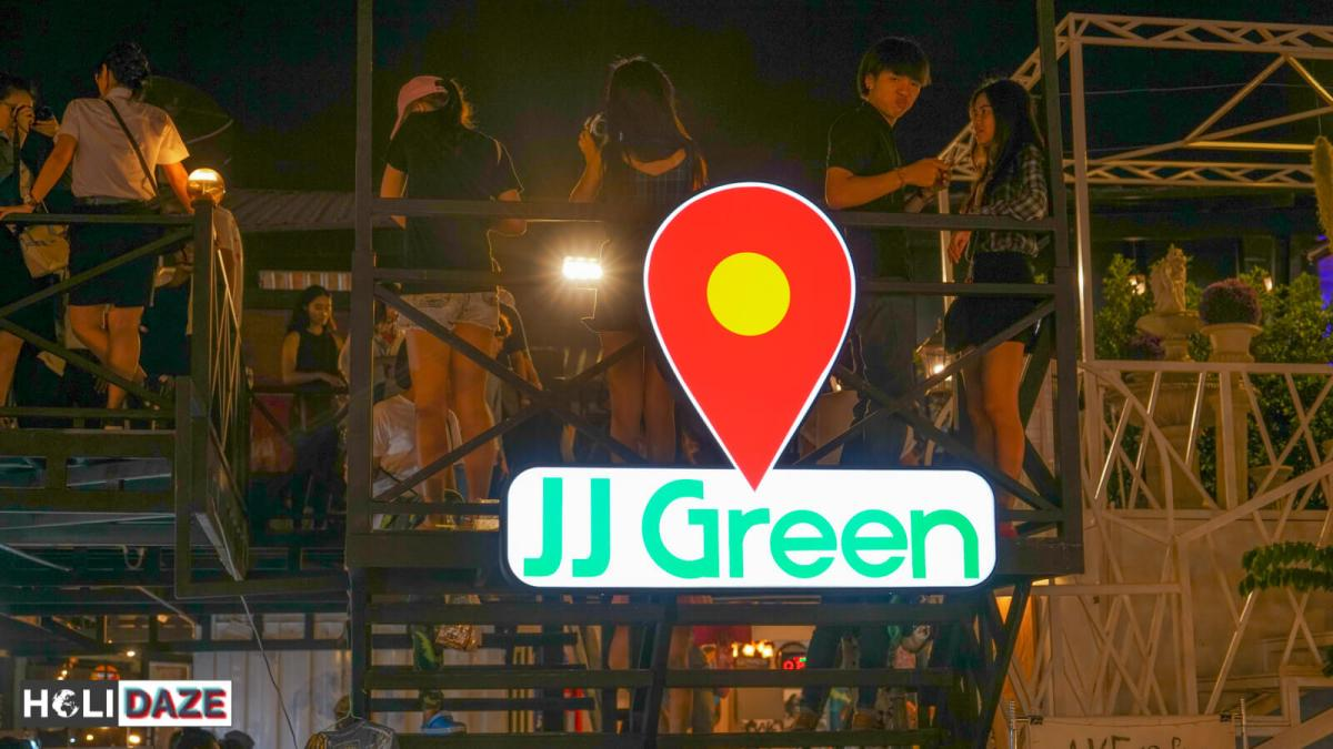 JJ Green Night Market in Bangkok really comes to life on Friday and Saturday nights