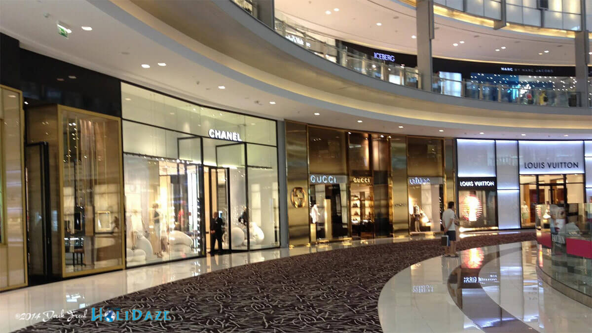 Wander Dubai Mall and enjoy the cold air-conditioning, one of the best free things to do in Dubai (as long as you don't start buying things)