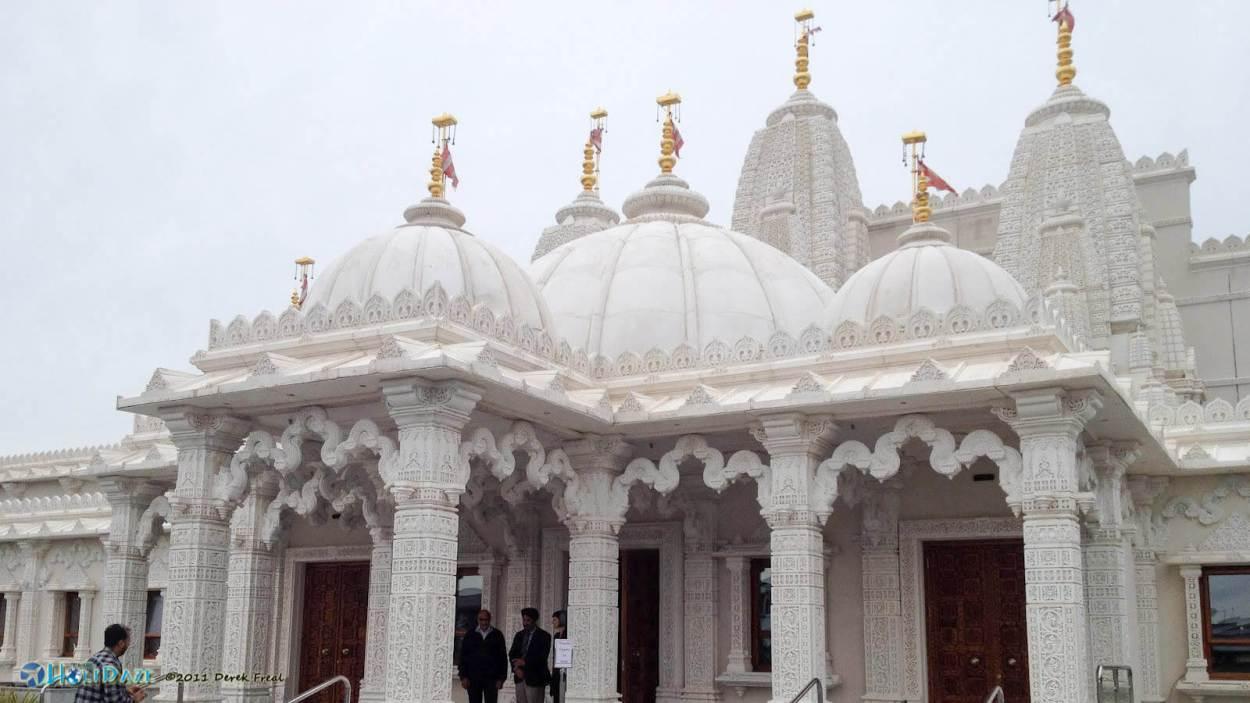 BAPS Shri Swaminarayan Mandir outside of Houston, Texas seems a bit out of place