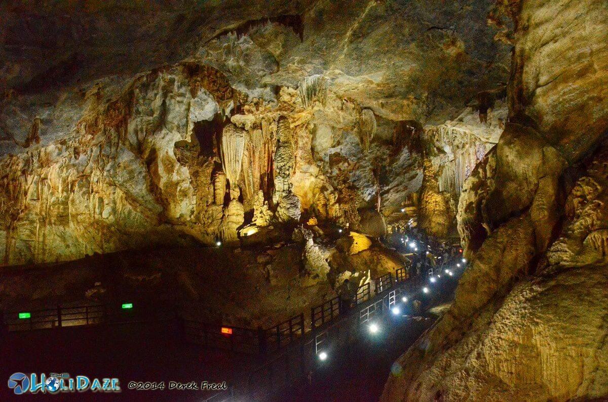 Thiên Đường Cave (Paradise Cave) in Phong Nha-Ke Bang National Park, Vietnam