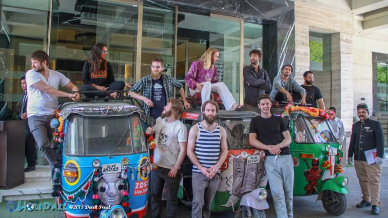 Teen Romanchak Yaar and friends on the Rickshaw Run 2015