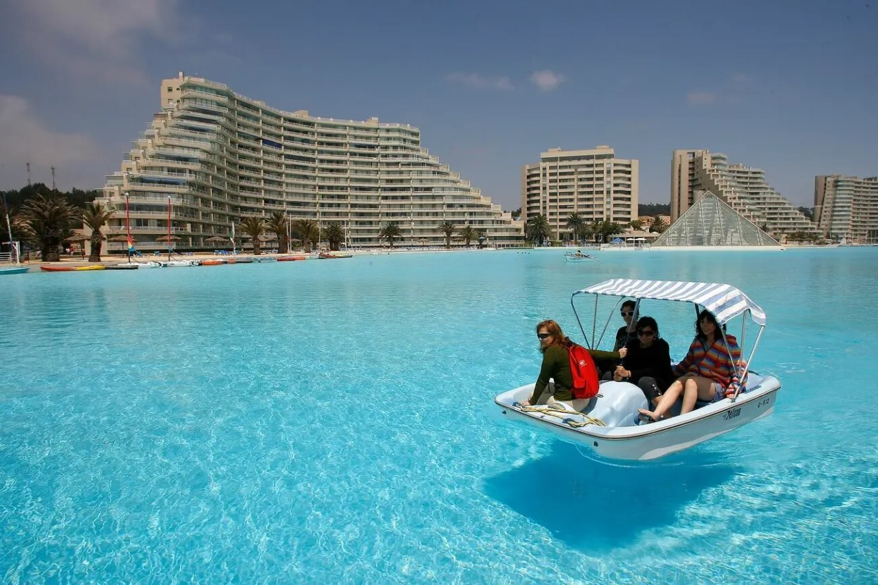 The world's largest pool is so big you can even go kayaking and paddle-boating in it