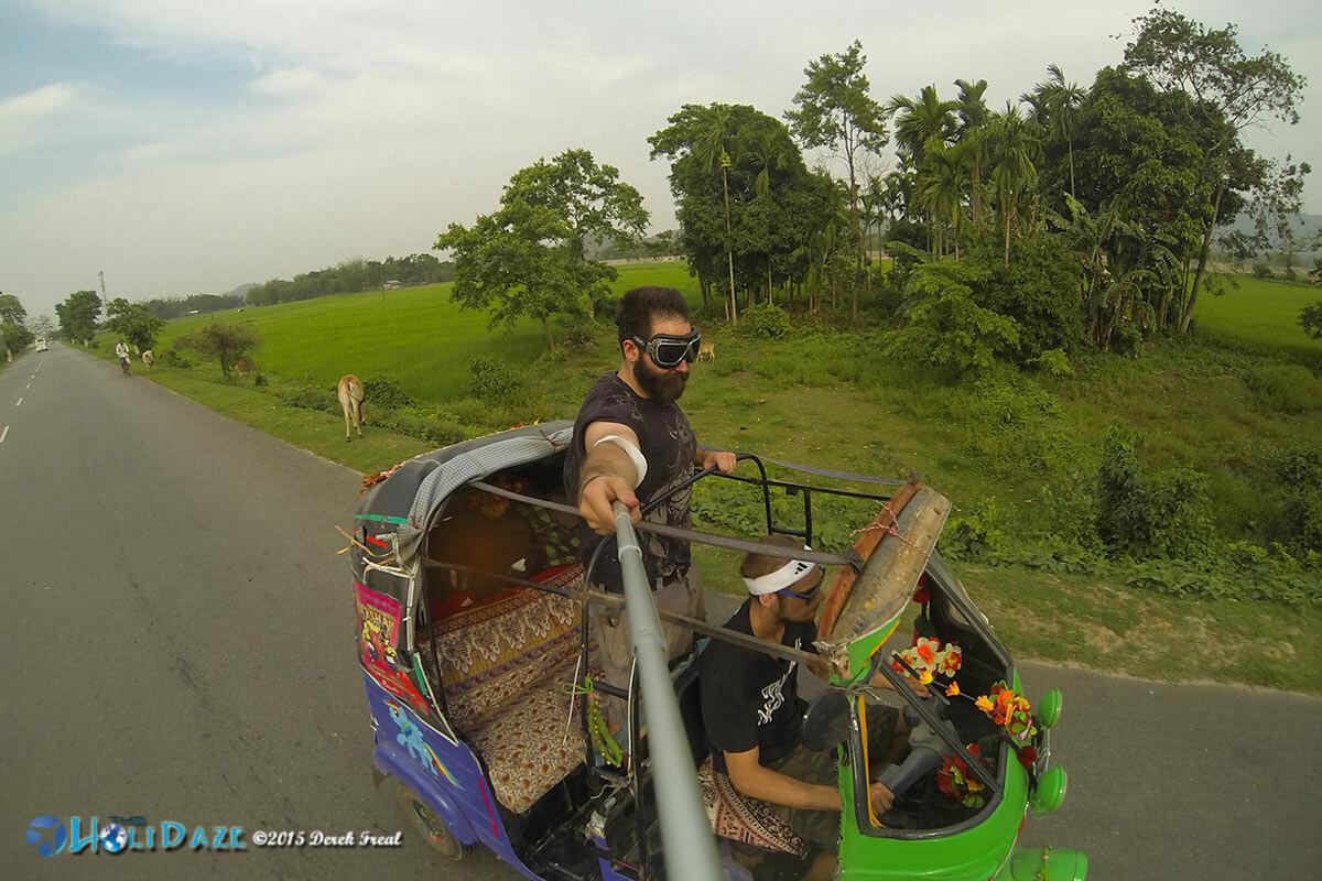 India's first convertible rickshaw made an appearance in the April 2015 Rickshaw Run