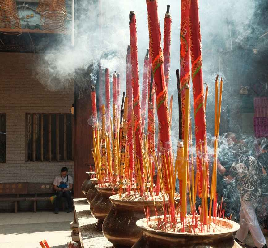 close up photography of incenses